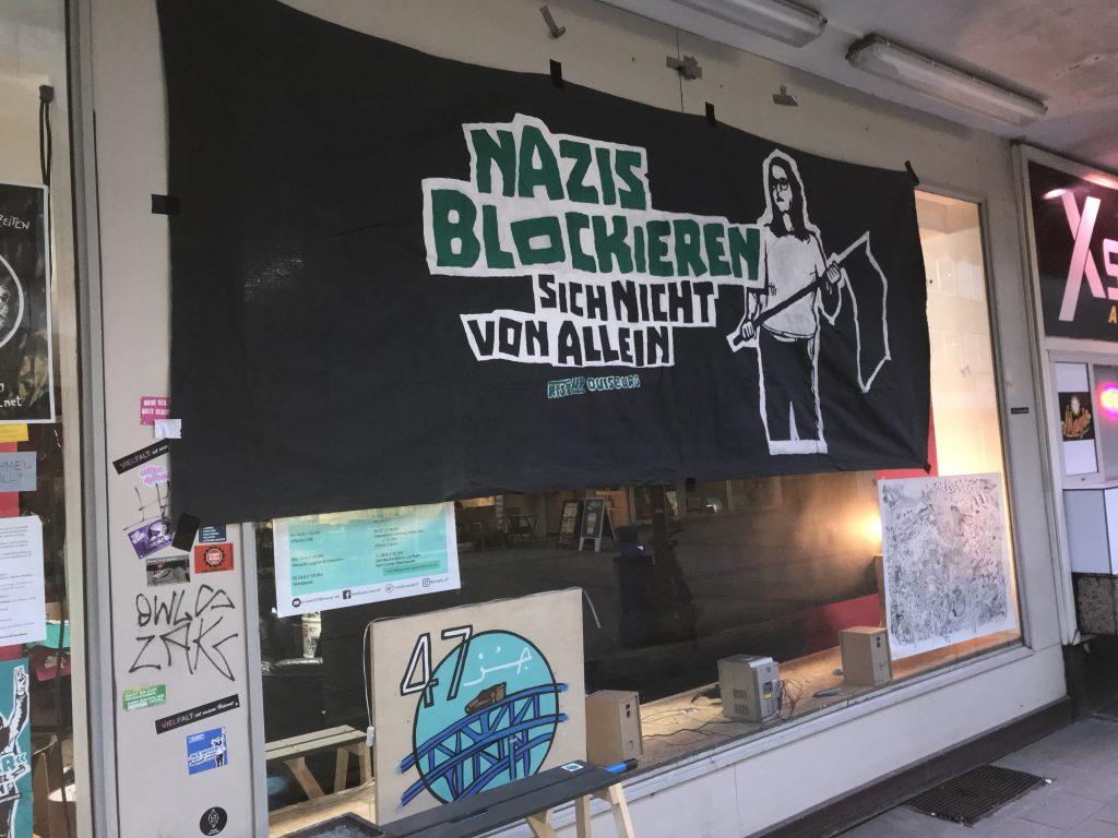 Am Freitag informierte RiseUp über rechtliche Rahmenbedingungen bei Demos! Foto: Peter Ansmann