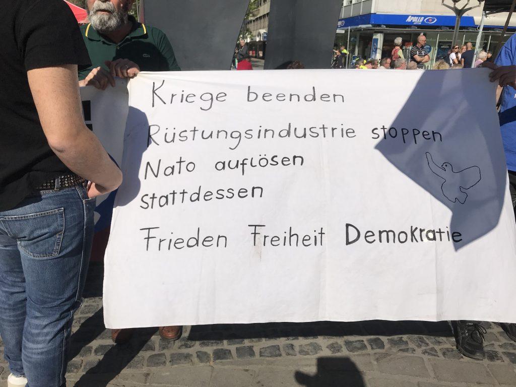 Hier fehlen wichtige Forderungen: Mehr Sonnenschein! Kässpätzle kostenfrei! Friede! Freude! Eierkuchen! Foto: Peter Ansmann