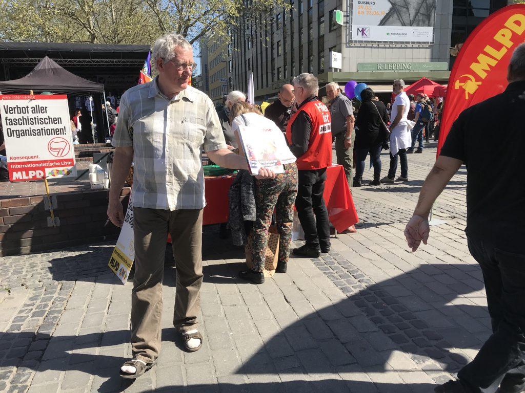 Versuchen den echten Sozialismus zu verwirklichen: Die Helden der MLPD; Foto: Peter Ansmann