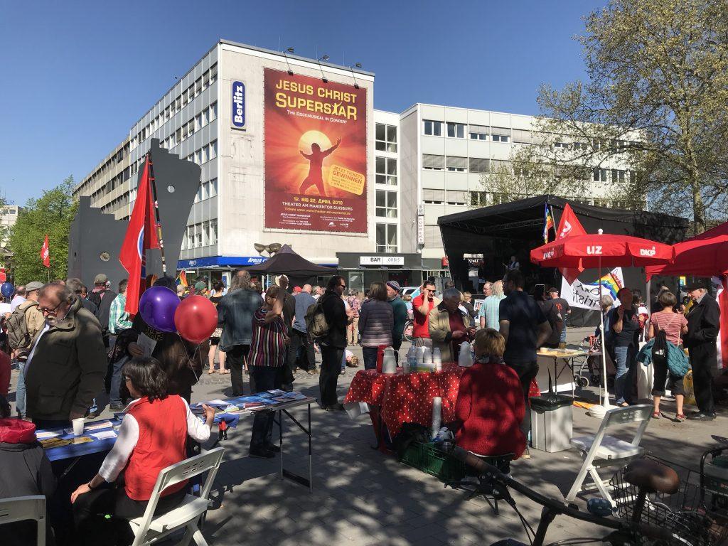 Duisburg, 20.04.2019: Der Ostermarsch lockt nach wir vor Menschen an; Foto: Peter Ansmann