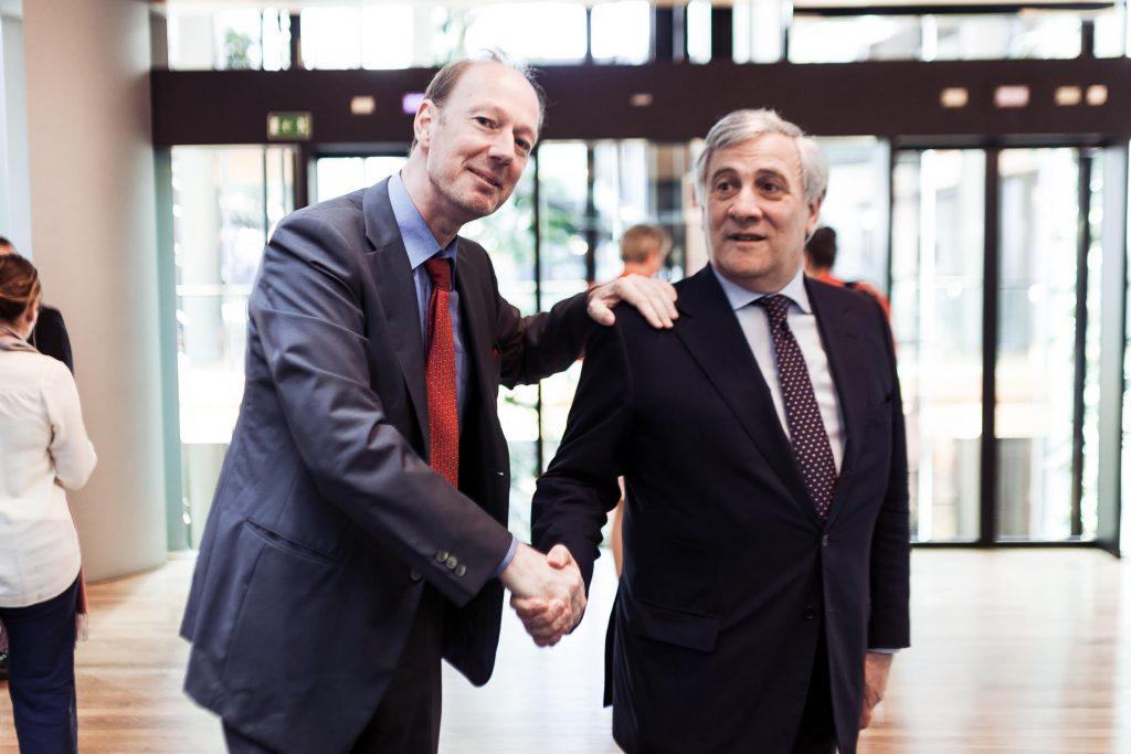 Auch Politiker anderer Fraktionen danken Martin Sonneborn für seine poliltische Arbeit!