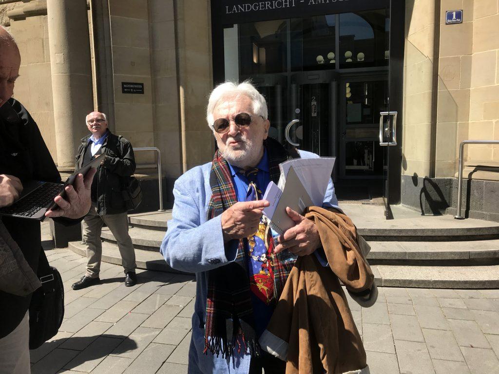 Kurzer Prozess in Duisburg: Henryk M. Broder ist optimistisch; Foto: Peter Ansmann