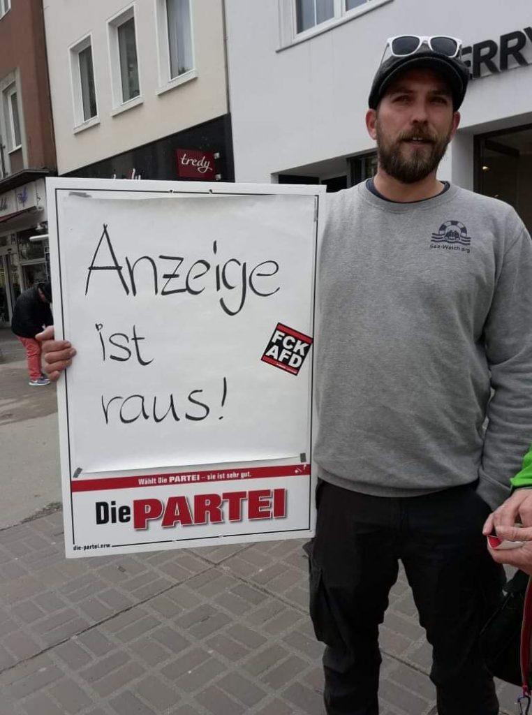 12 Stunden von der Gründung bis zur Anzeige: Es läuft bei der PARTEI in Dorsten; Foto: Marc Meinhard