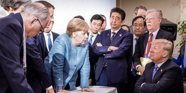 Mal richtig die Meinung geigen: Angela Merkel und Donald Trump nebst anderer auf dem G7-Gipfel 2017 in Sizilien