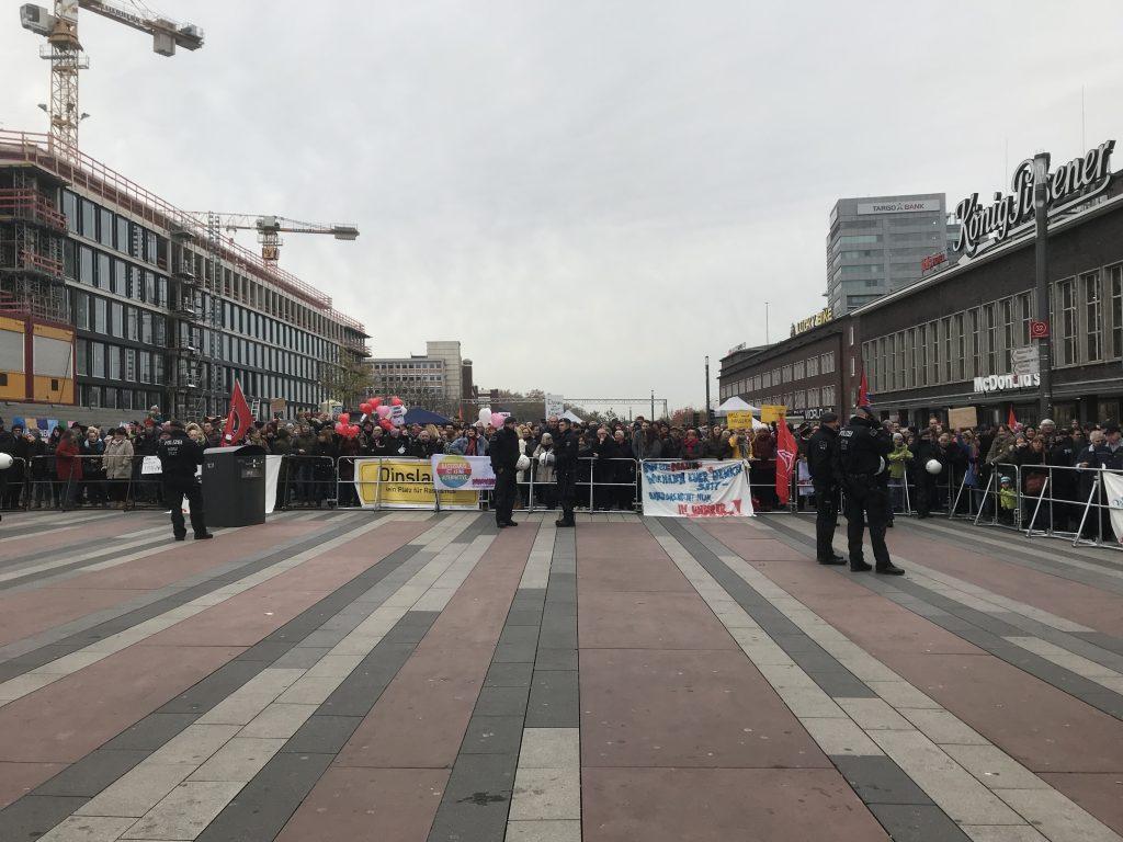 Duisburg zeigt Kante gegen Rechtsextremismus; Foto: Peter Ansmann