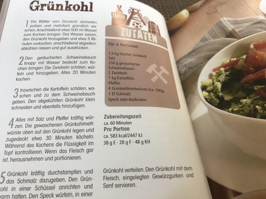 Ruhrgebietsküche: Natürlich darf das Rezept für Grünkohl nicht fehlen; Foto: Peter Ansmann