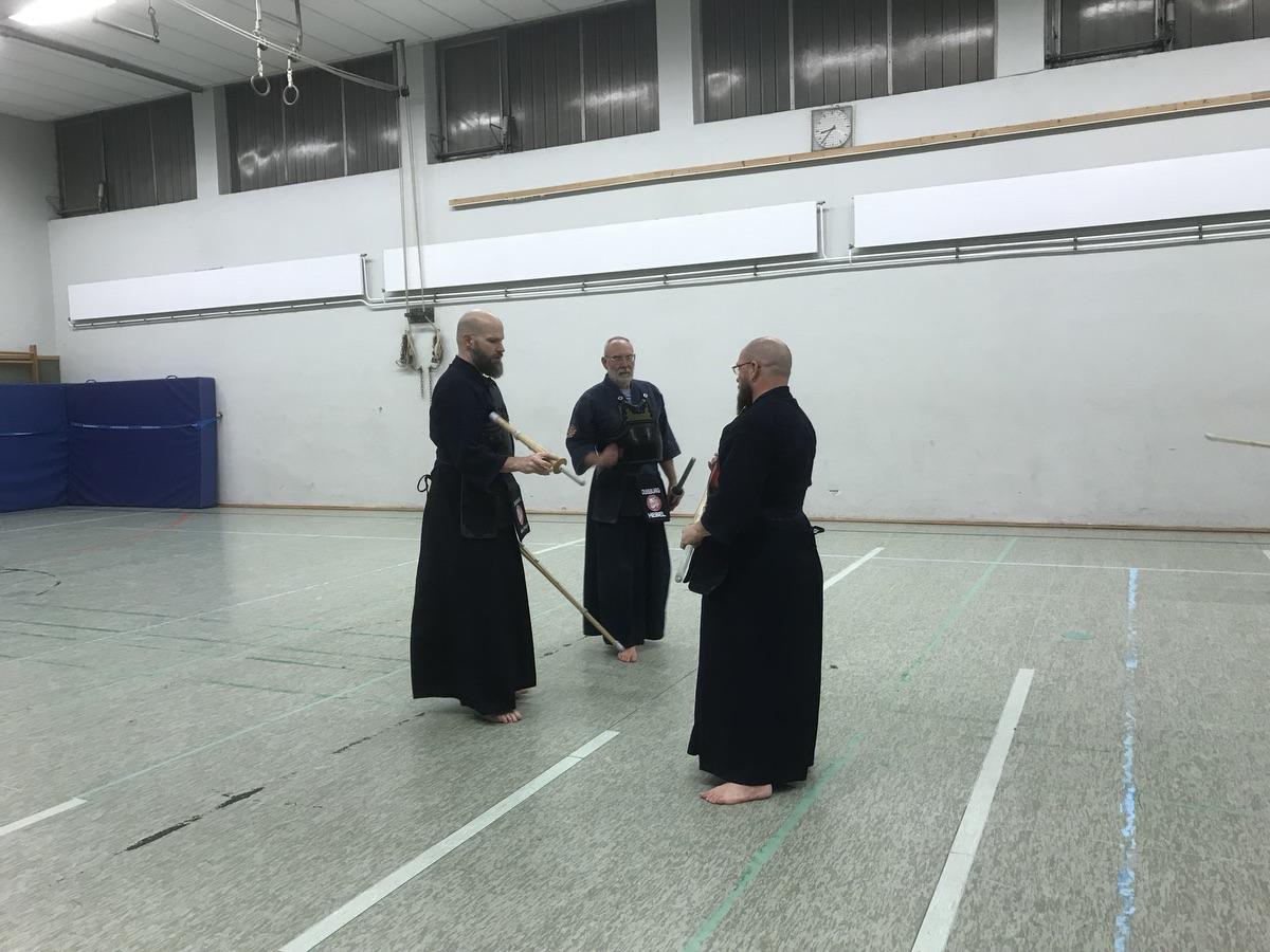 Patrick, Uwe, Dede: Sehr viele Jahre an Kendo-Erfahrung; Foto: Peter Ansmann