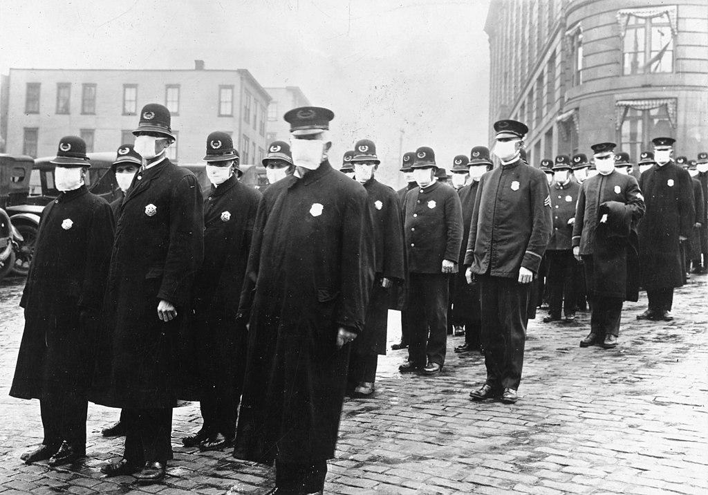 Polizisten in Seattle während der spanischen Grippe (1918)