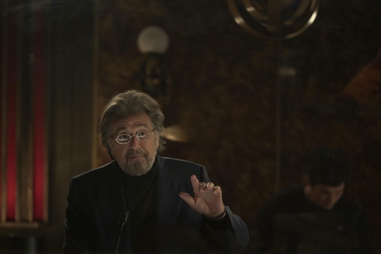 """Al Pacino spielt in """"Hunters"""" die Rolle des Meyer Offerman, eines jüdischen Philanthropen der den Holocaust überlebt hat. Überzeugend und routiniert gut; Foto: Amazon"""