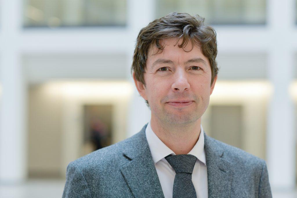 Prof. Christian Drosten, Direktor des Instituts für Virologie an der Charité; Foto: Charité / Wiebke Peitz
