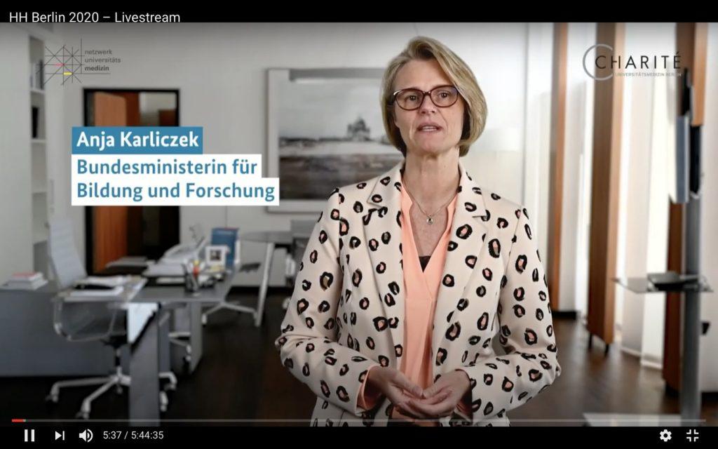 Anja Karliczek, Bundesministerin für Bildung und Forschung; Screenshot YouTube