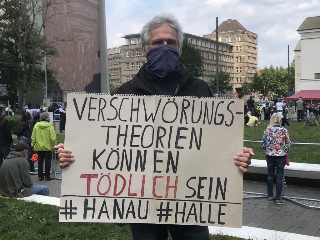 Privater Protest gene den Irrsinn: Duisburg ist nicht ganz verloren; Foto: Peter Ansmann