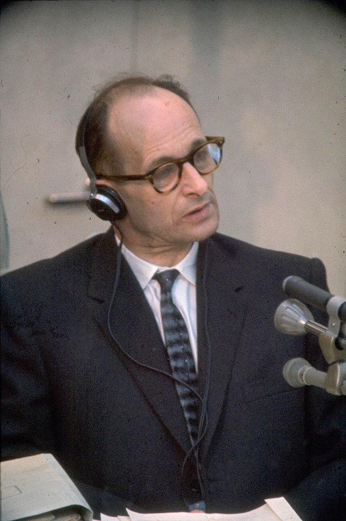 Adolf Eichmann während seines Prozesses in Jerusalem; Foto: Israel Government Press Office / Public domain