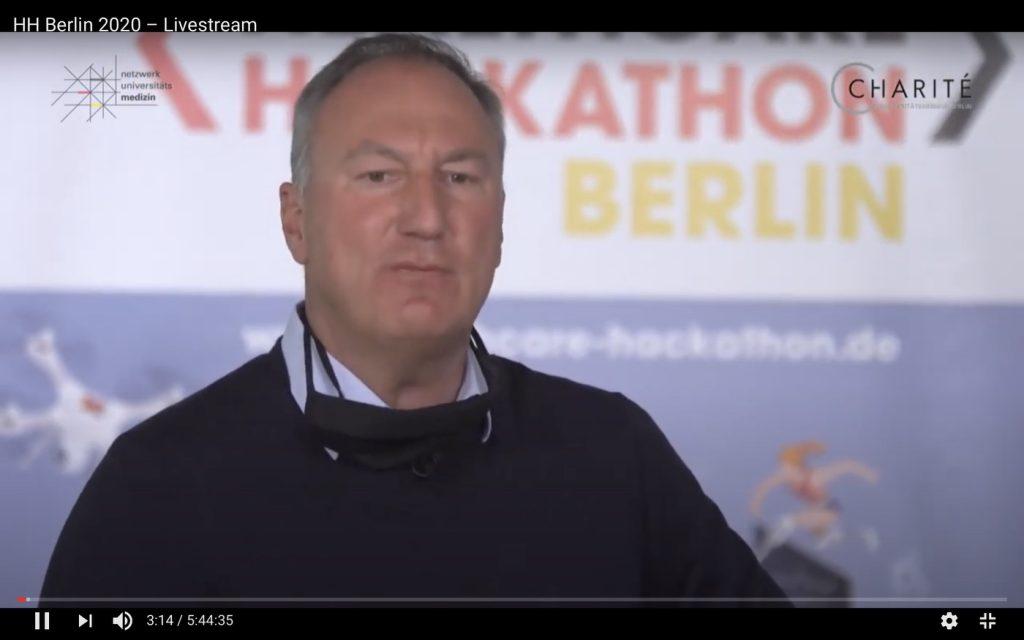 Moderator des Hackathons: Prof. Dr. Jörg Debatin; Screenshot YouTube