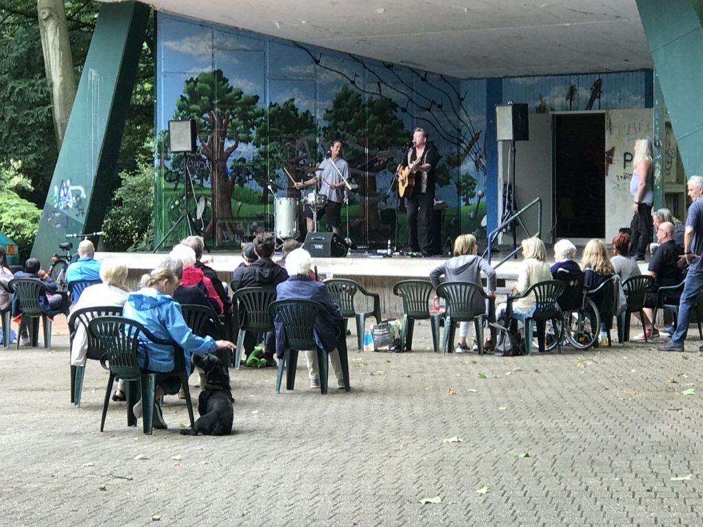 5. Juni 2020: Die Treuen Bergvagabunden spielten in Duisburg-Rheinausen; Foto: Peter Ansmann