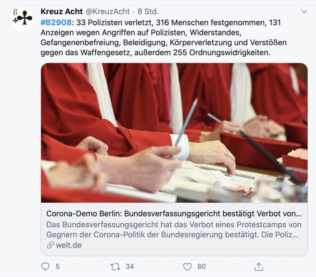 """""""Friedliches Volksfest"""": Mit 33 verletzten Polizisten; Screenshot Twitter"""
