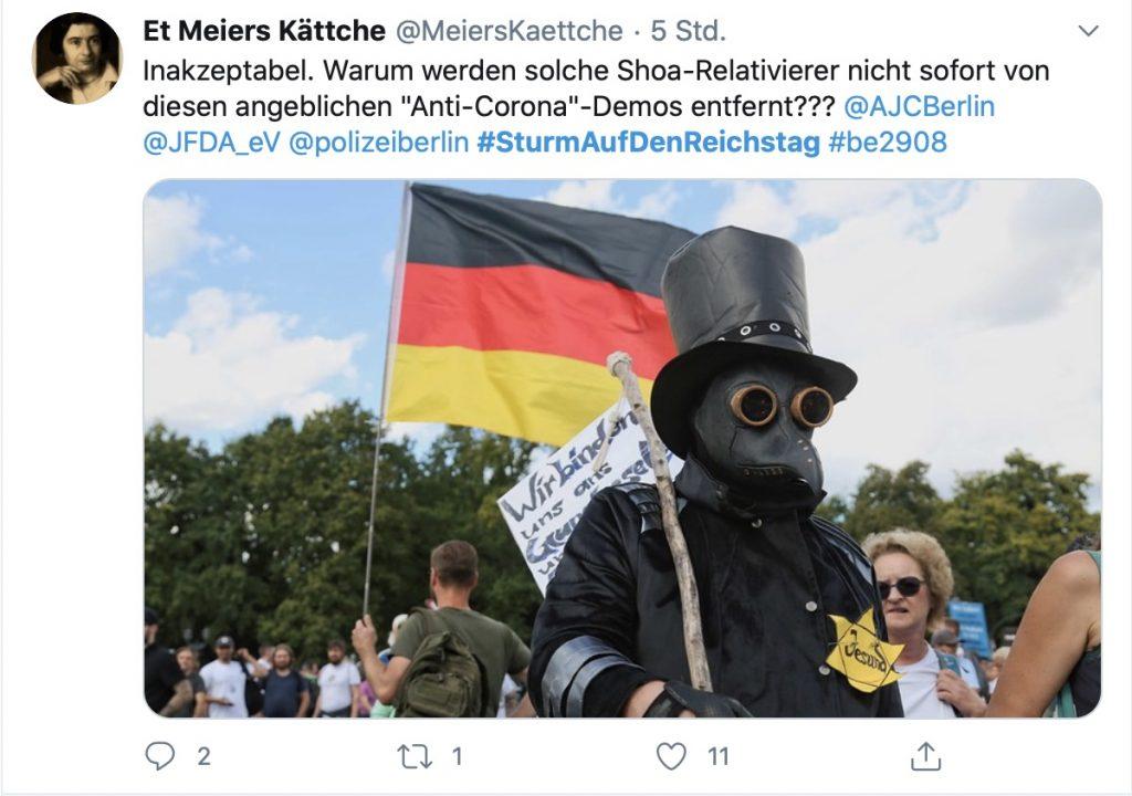 """Shoa-Relativierung beim """"friedlichen Volksfest"""" in Berlin; Screenshot Twitter"""