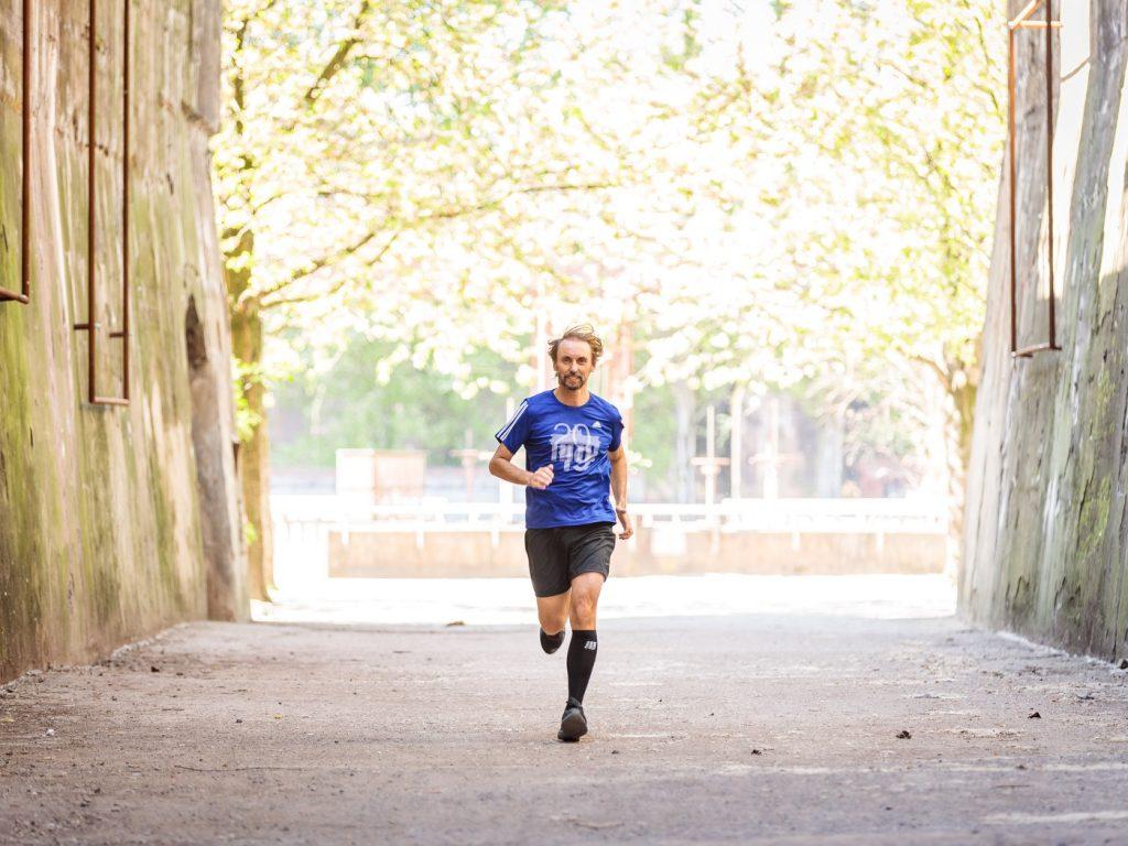 Pater Tobias hat seinen 102. Lauf erfolgreich beendet; Foto: Projekt LebensWert / Daniel Elke