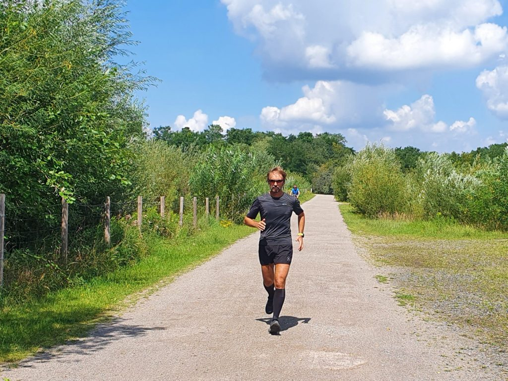 Pater Tobias: Seelsorge und extremer Laufsport; Foto: Projekt LebensWert / Daniel Elke