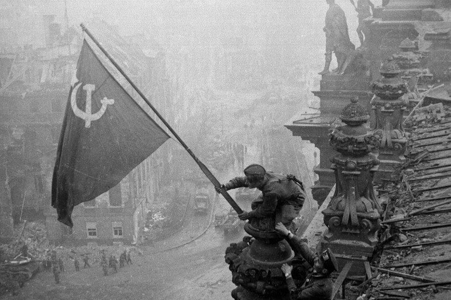 """Der """"Sturm auf Berlin"""" der Querdenker am 29. August 2020 war, im Vergleich zu dem der Roten Armee im Jahre 1945, eher ein Sturm im Wasserglas; Foto: Mil.ru / CC BY"""