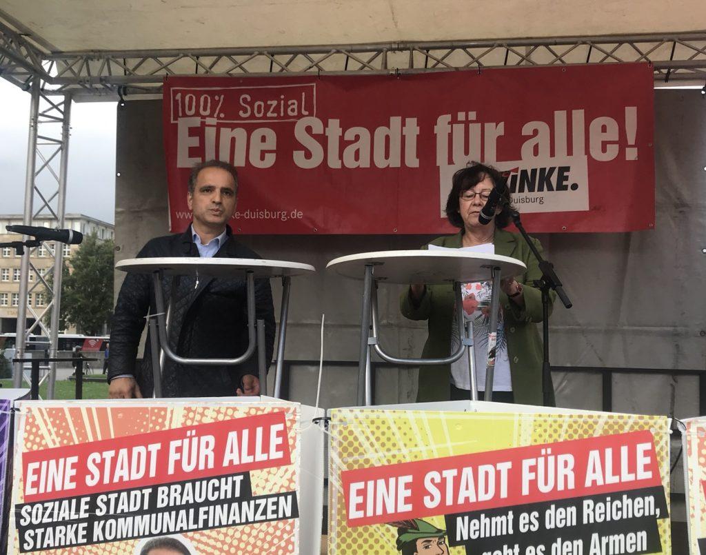 Erkan Kocalar und Martina Ammann-Hilberath (DIE LINKE Duisburg); Foto: Peter Ansmann