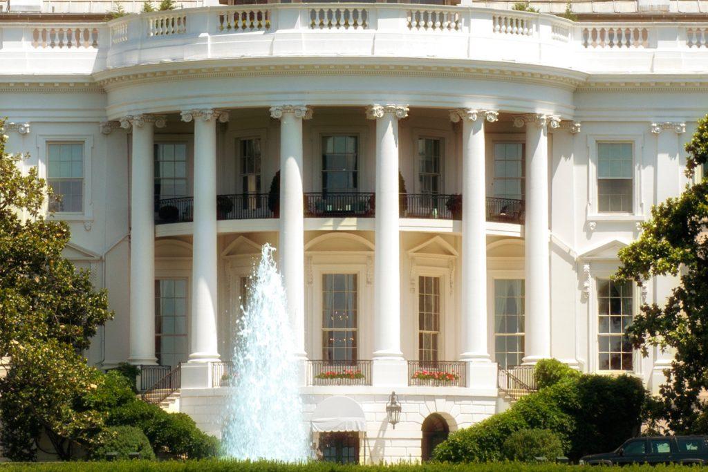 Das Weiße Haus (Foto: Roland W. Waniek)