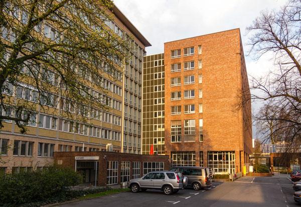 Gebäude A1 und A2 am Klinikzentrum Mitte