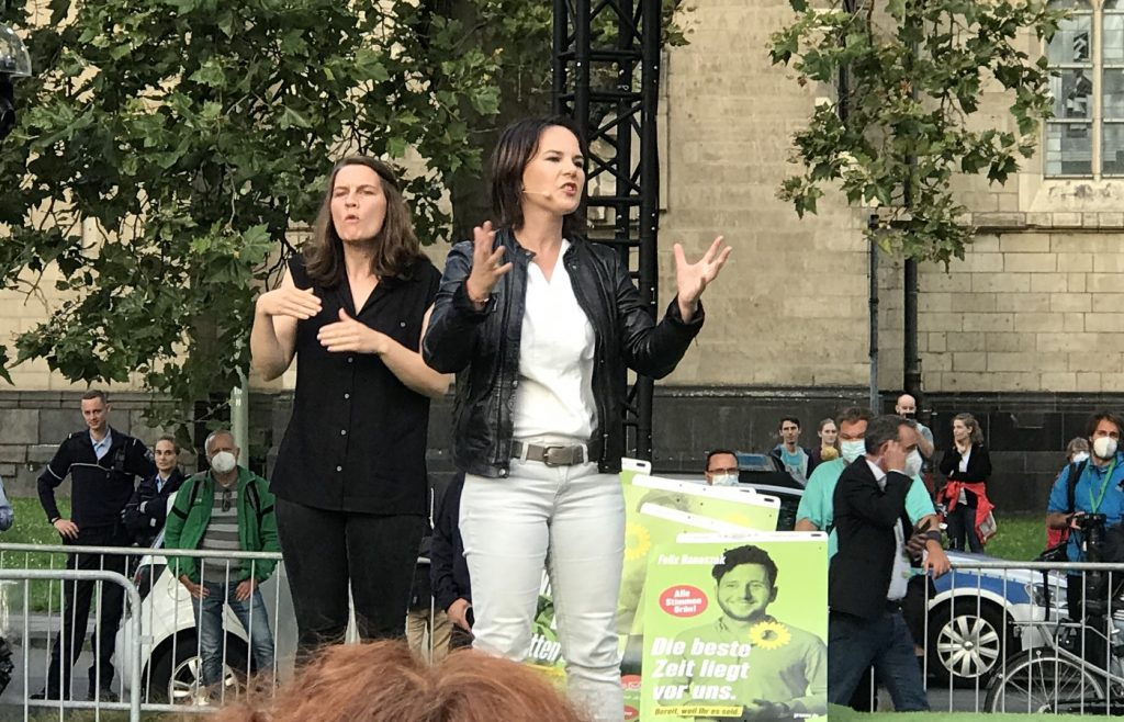 Annalena Baerbock beim Wahlkampf in Duisburg; Foto: Peter Ansmann
